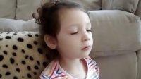 my two year old translator 九寨沟混血小萝莉的视频终于找到了 可爱到爆