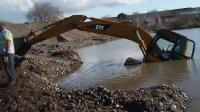 挖掘机 推土机事故视频
