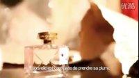 John Galliano谈香水Parlez-Moi d'Amour.