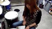 ★ 美女架子鼓---我爱摇滚!