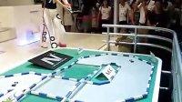 美女玩小车(Robot360.cn)
