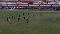 【冠军俱乐部足球教学系列之十】带球和控球练习--河床