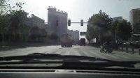 新QQ快乐版,新车第一个红灯就熄火了,还打不着了!然后别人等红灯,我等绿灯!
