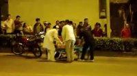 2011.11.26 20:26 梧州市西环路交通事故(蝶山交警路口)