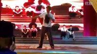 2011 重庆动漫节街舞大赛 16进8 一帆 vs dokyun