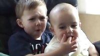 查理咬我 Youtube访问量最大的视频可爱弟弟咬哥哥的 Charlie bit my finger