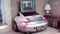 保时捷车迷自家的电视墙