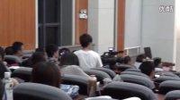 十三岁轮椅少女的心酸之路 何泽 参加 中央财经 地质 大学演出 扬鞭催马运粮忙