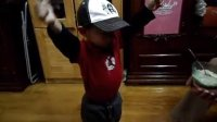 小孙子跳舞上
