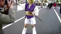 【好酷的武士MM,不知道模仿的谁,你知道吗】【☆ガールを人ごみの中で発見!】