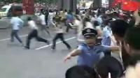 广州站火炬传递实况,现场轰动,场面一度失控