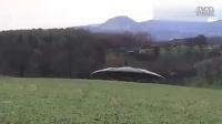【山村怪谈灵异】最新恐怖震撼实拍高尔夫草坪UFO和外星人求鉴定!