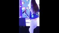 韩国妹子紧身牛仔裤现场热舞!