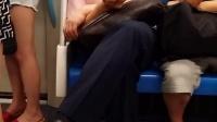 上海地铁9号线猥琐男猥亵_001