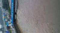 贵阳小河洪灾淹没了几十米深河道