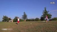 【youtube热门】牛人演示保龄球的高端玩法!碉堡!!_高清