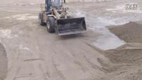 铲车工作视频>堆砂  Q