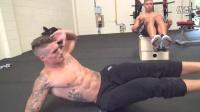 4分钟腹肌锻炼MIKE和ROSS -循环2