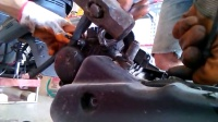 摩托车维修之雅马哈换套缸