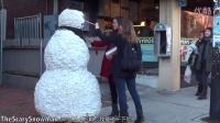 进击的雪人!!吓尿了!!