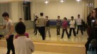 20131122200353 跳舞