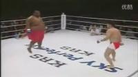 笑尿了 重量上的压制600lbs Sumo Vs 169lbs MMA Fighter