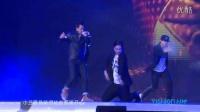 韩庚哈尔滨以纯时尚音乐盛典现场版《小丑面具》