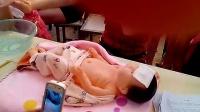 婴幼儿温水擦浴(物理降温)_高清