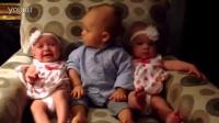 双胞胎宝宝把小哥哥玩傻了,什么情况