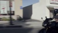 """带老奶奶骑摩托车兜风 一路""""狂飙"""" #OneLessStranger#"""