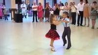 这两位小家伙,拉丁舞跳的超棒!真有感觉!