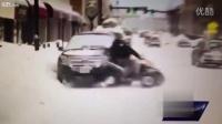 直播时四轮摩托雪地打滑撞车