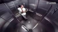 游迅网视频站—恶搞恶作剧:电梯里腹泻