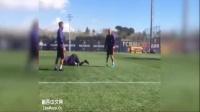 内马尔训练颠球视频