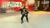 土耳其 12岁小男孩 模仿 迈克 杰克逊 Dangerous震撼全场!_标清