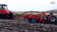 1802橡胶履带拖拉机带4米高速灭茬缺口圆盘耙作业视频1
