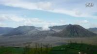 [梁先生的圈子]Wingsuit Flight Over an Active Volcano
