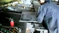 40吨数码冲床加工超厚10mm钢板长腰孔过程