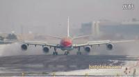东航A340-600雪天降落