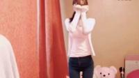 韩国B紧身牛仔裤美女热舞自拍