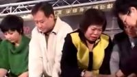 《再见忠贞二村》台北首映会 演员与戏迷包水饺同
