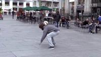 [完整版曝光]C罗乔装流浪汉马德里街头秀球技搭讪美女遭拒绝