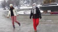 鬼步舞的七连步由大姐小妹在吉林北山九龙表演