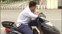 绍兴:骑电瓶车男子闯红灯还不罚款还骂人