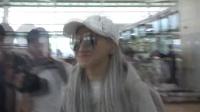 2NE1的CL飞往多伦多 休闲便装尽显嘻哈本色