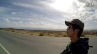 走在马路上看西部的天空