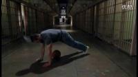 【Heamy.com】囚徒健身-俯卧撑 第八式 单臂半俯卧撑