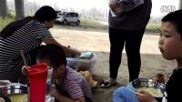 滹沱河的花海吃碗香甜的方便面