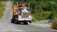 卡车抬头 实拍重卡惊人动力让人看傻了