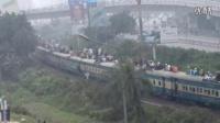 转: 相比之下, 中国春运简直是小巫见大巫。 Compilation of Dangerous Train Ride- 2014